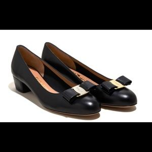 Womens Salvatore Ferragamo Vara bow Pump shoe